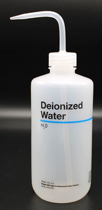"""Picture of BN-711DE - 500 ml Right-to-Know Wash Bottle, Labeled """"Deionized Water"""" (BN711DE)"""